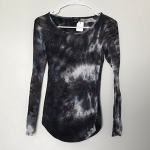 Rue 21 Long Sleeve Tie Dye Scoop Neck Tee Shirt